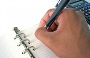 Как грамотно составить выписку из приказа о приеме на работу